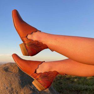 art_velies_boots_ladies